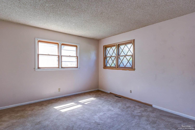 519 Claremont Drive, Salina, KS 67401