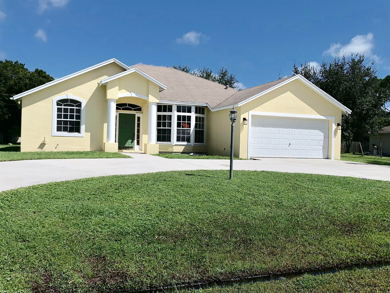 1657 SW Bellevue Ave, Port St Lucie, FL 34953