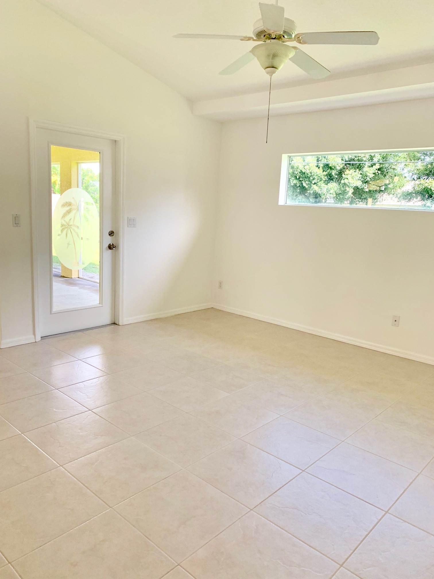 1657 SW Bellevue Ave, Port St Lucie, FL 34953
