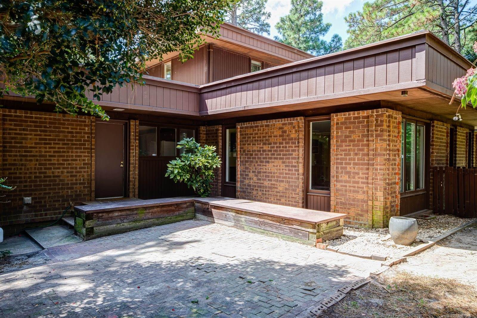 915 East Indiana Avenue, Southern Pines, NC 28387