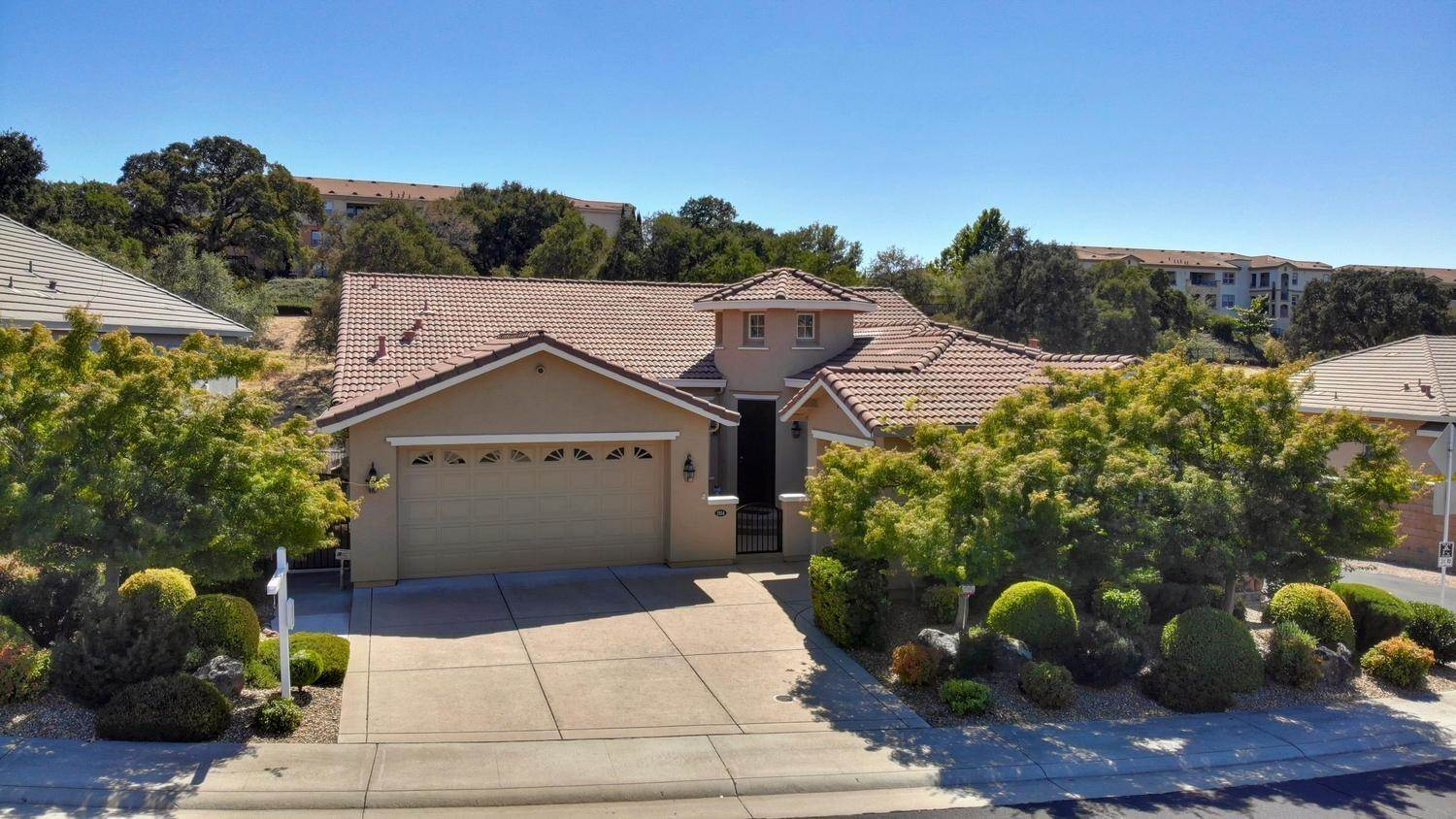 2104 Petruchio Way, Roseville, CA 95661