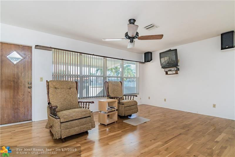 31 NW 56th St, Oakland Park, FL 33309