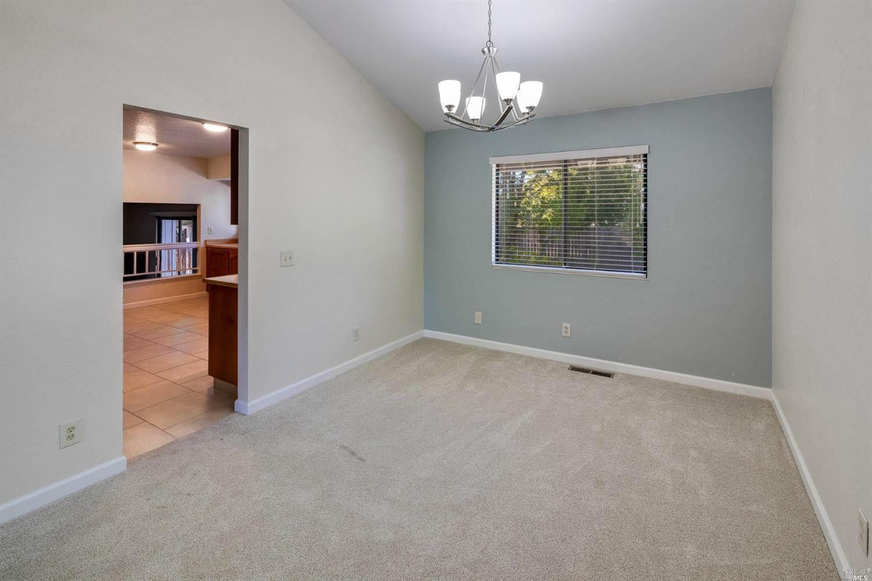 9553 Jessica Drive, Windsor, CA 95492