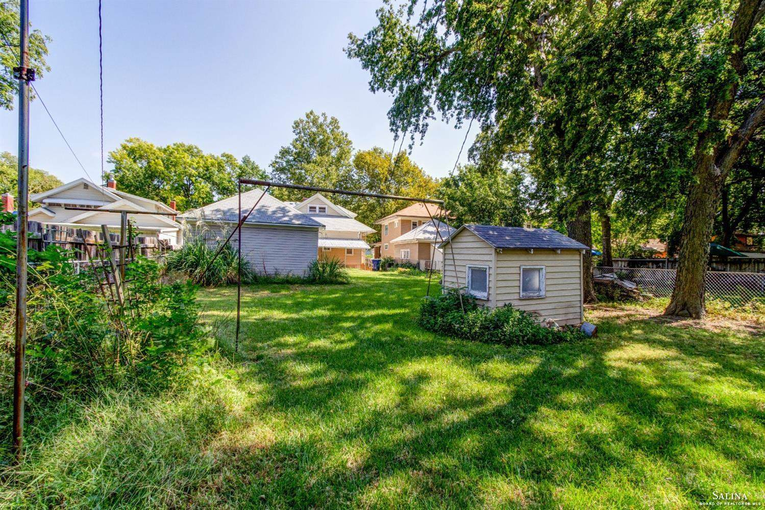934 Highland Avenue, Salina, KS 67401