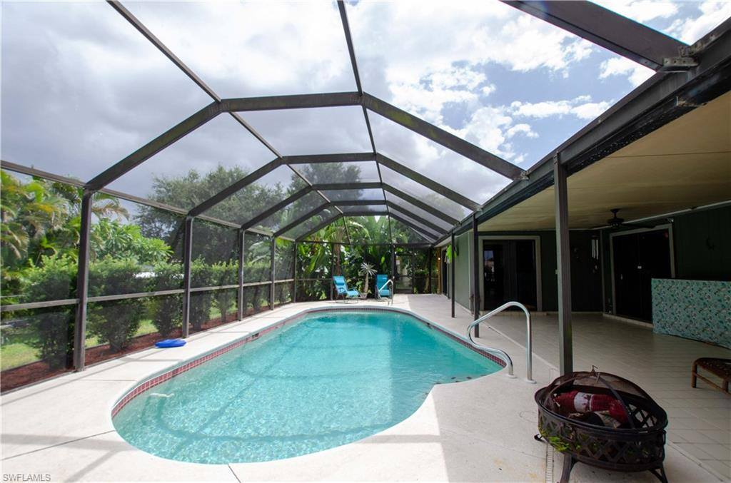 303 NW 4th Ave, Cape Coral, FL 33993