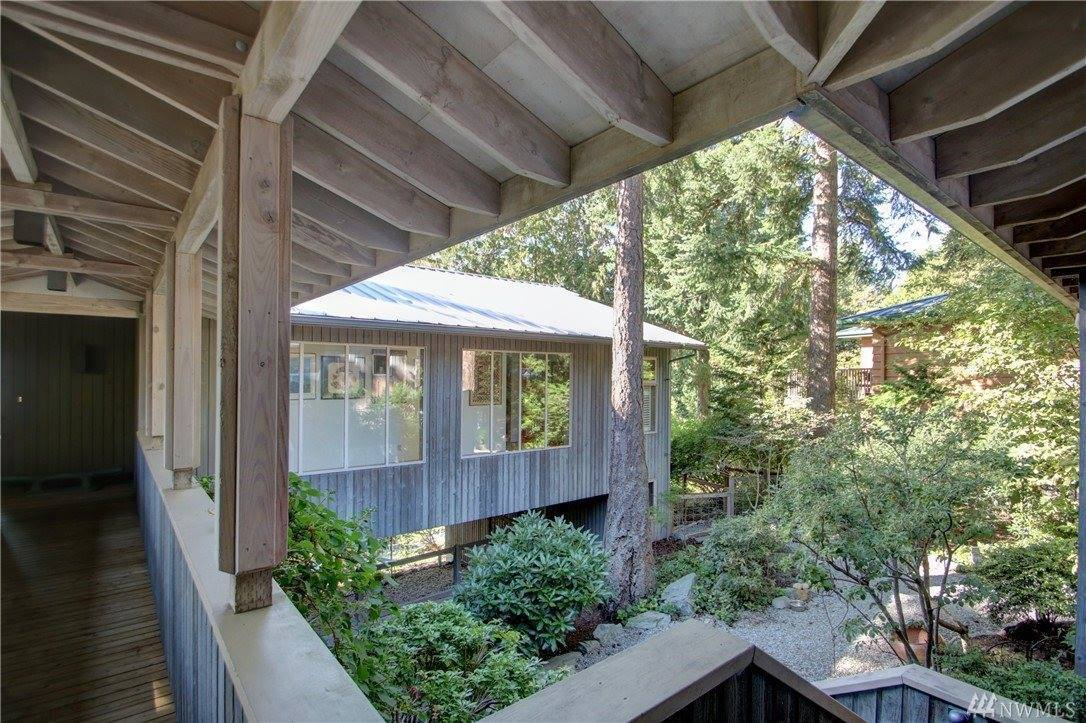 652 Muckleshoot Cir, La Conner, WA 98257