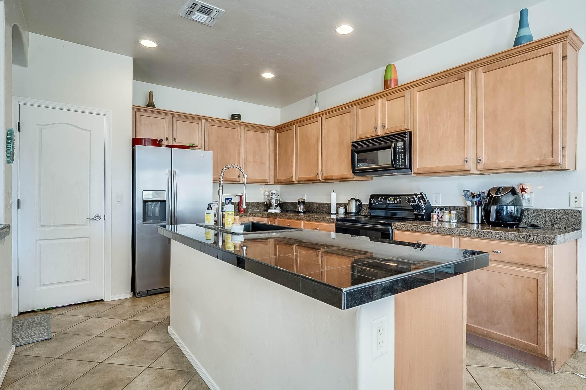 10588 E Oakbrook St, Tucson, AZ 85747