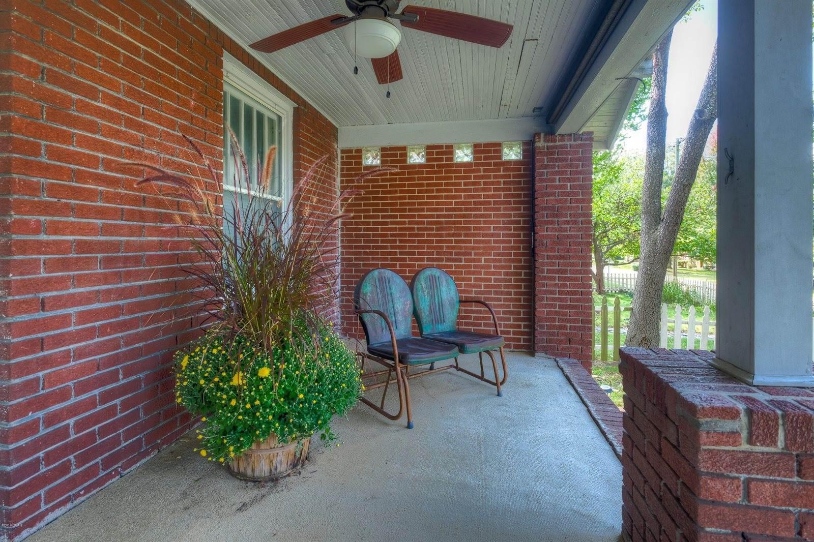 3235 Oak Ridge Drive, Joplin, MO 64804