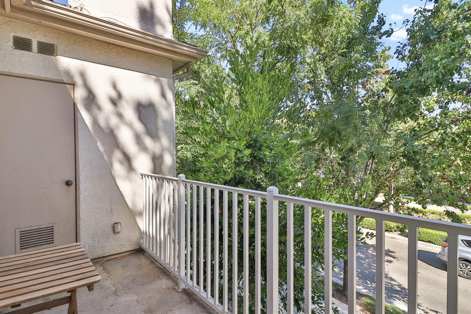 27072 Victoria Lane, #127, Valencia, CA 91355