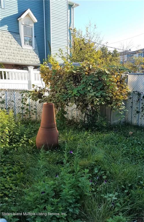 20 Teri Court, Staten Island, NY 10314