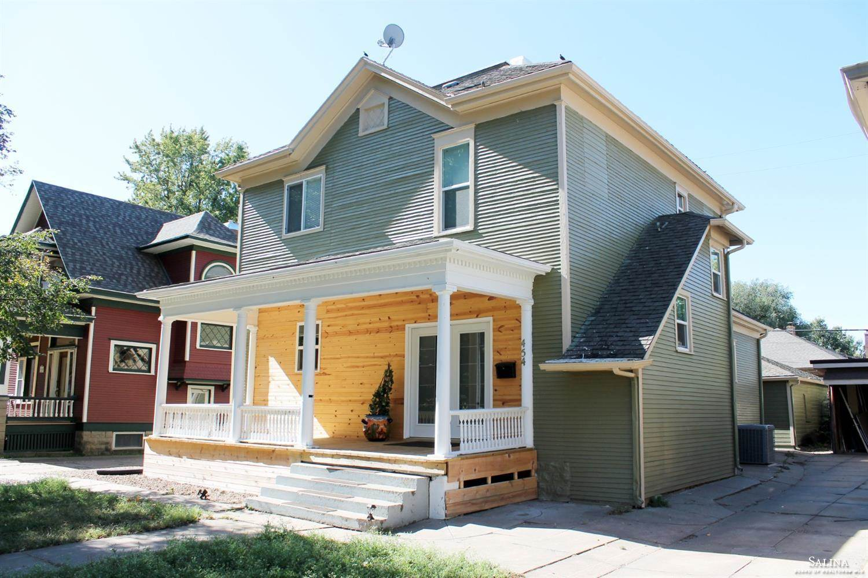 454 South 8th Street, Salina, KS 67401
