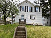 216 North Grove Avenue, Freeport, IL 61032