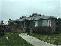 205 W. Thomas Ave., Fresno, CA 93728
