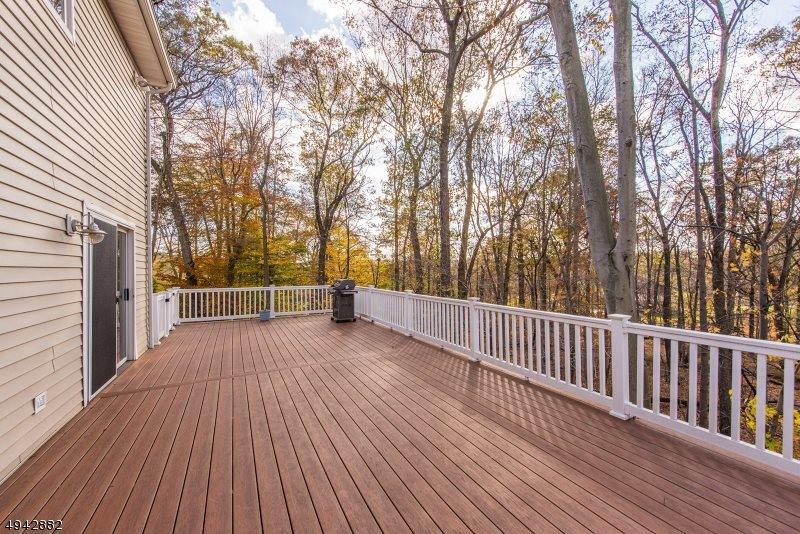 4 Deerwood Trl, Warren Township, NJ 07059