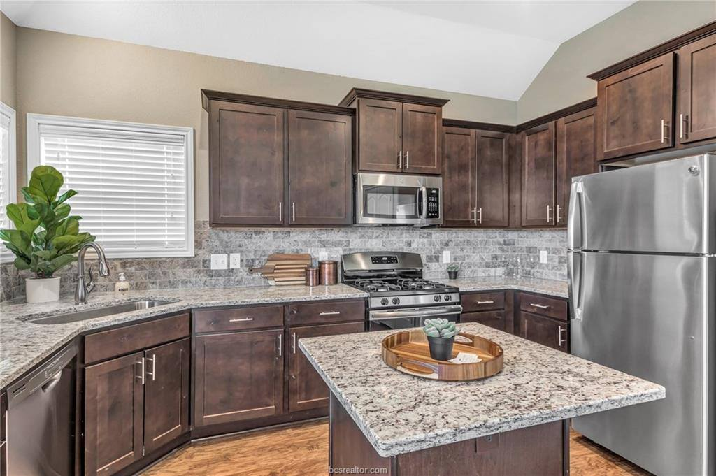 4003 Lodge Creek Court, College Station, TX 77845