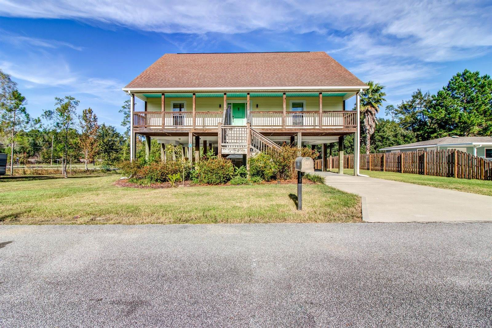 232 Hickey St & Lot A, Waveland, MS 39576