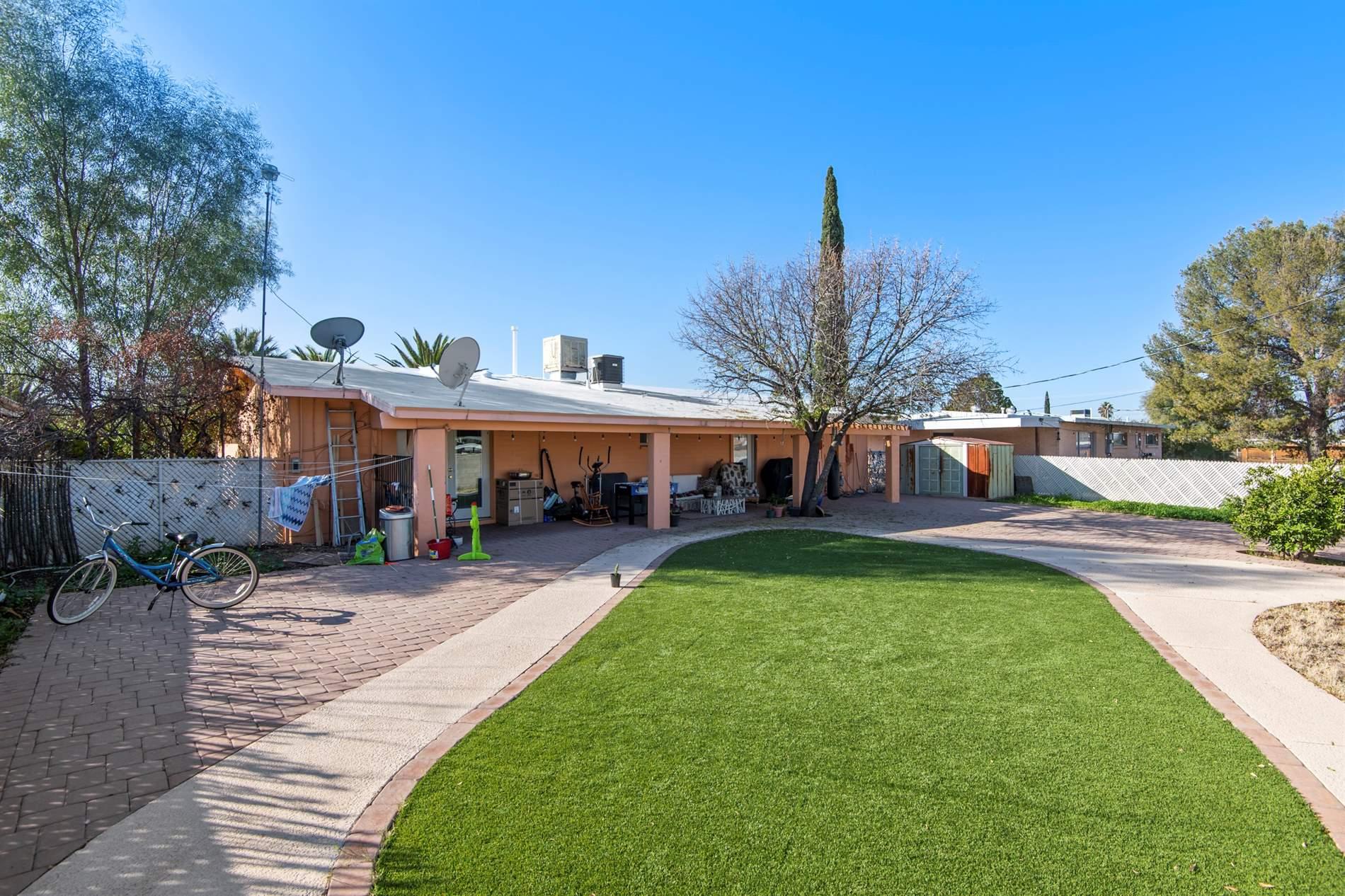 6731 E Nelson Dr, Tucson, AZ 85730