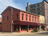 9 - 15 Chicago Avenue, Freeport, IL 61032