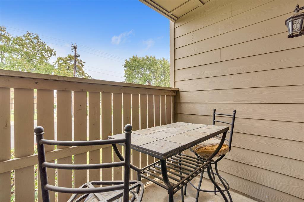 2100 Randy Snow Road, #402, Arlington, TX 76011