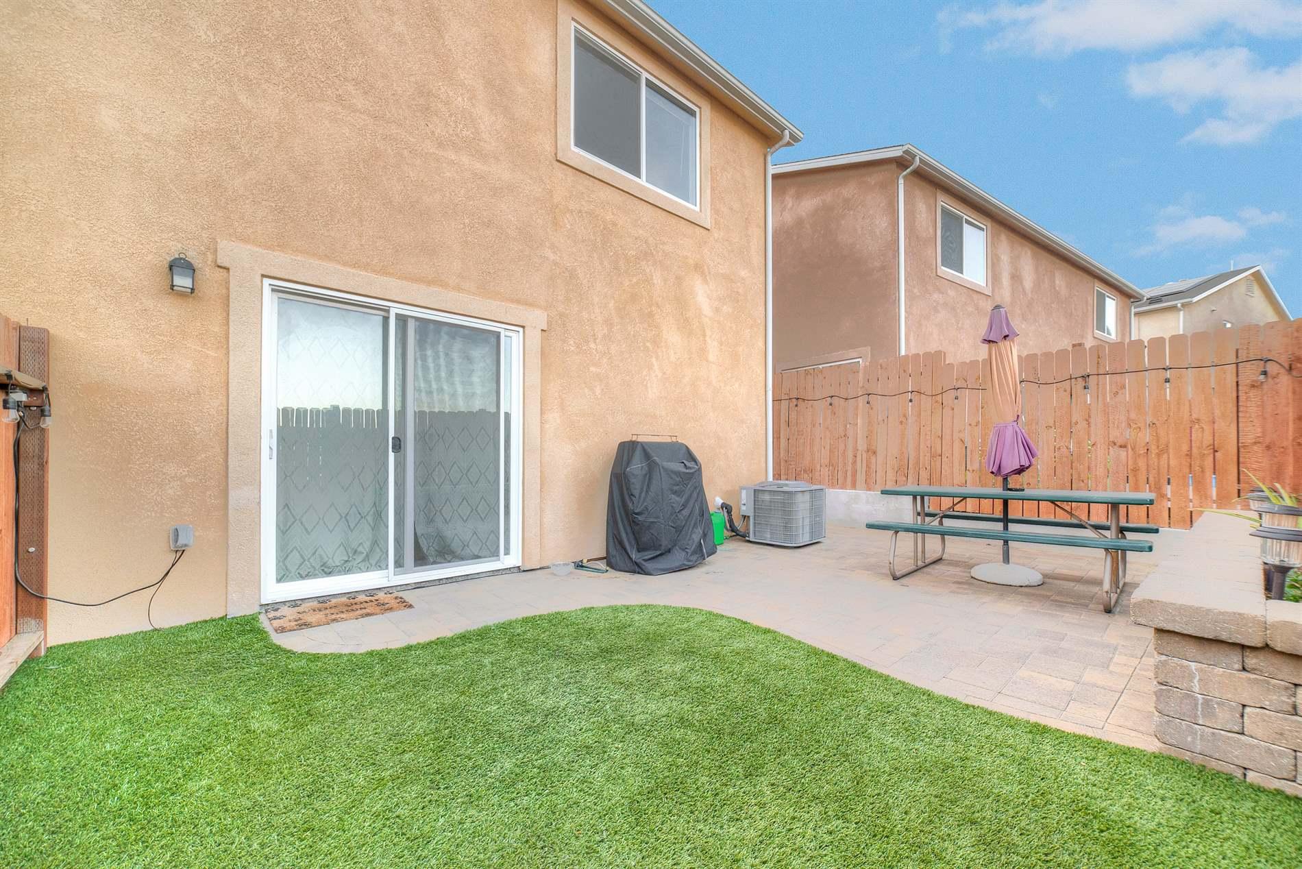 26126 Gravett, Saugus, CA 91350