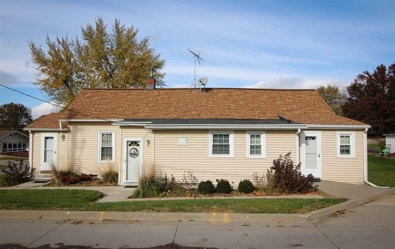 405 Elm St, Williamsburg, IA 52361