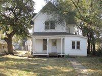 304 S Hickory St, McPherson, KS 67460