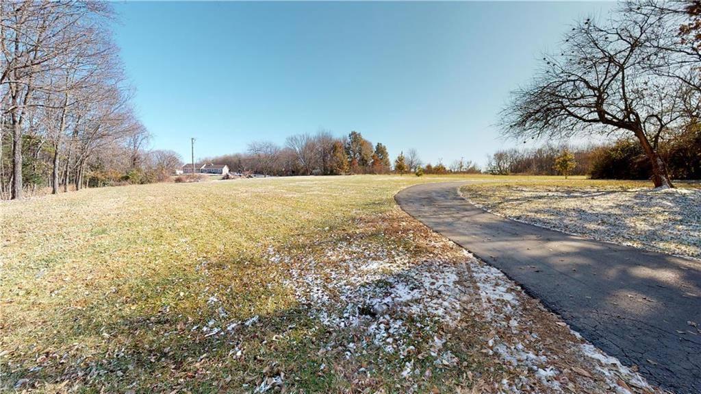 17801 South Rolling Hills Road, Belton, MO 64012