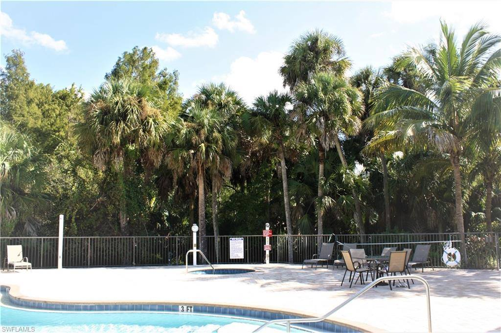 1070 Winding Pines CIR 202, Cape Coral, FL 33909