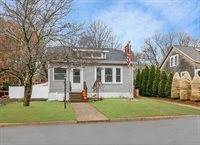 25 Hillside Ave, West Bridgewater, MA 02379