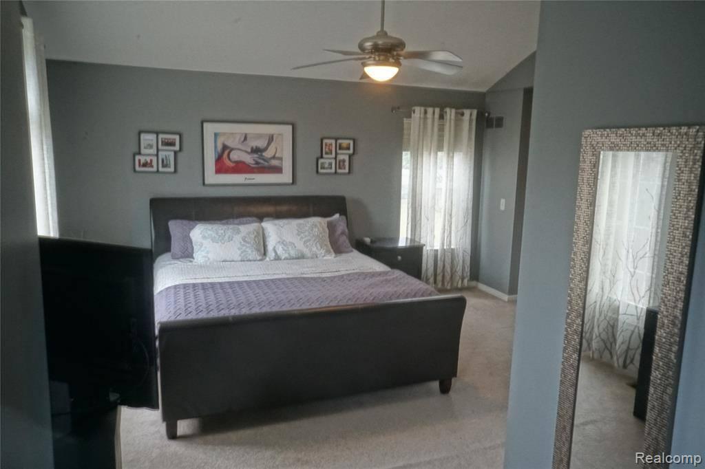 785 Calgary Street, Auburn Hills, MI 48326