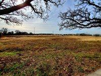 8704 Ike Byrom Road, Krugerville, TX 76227