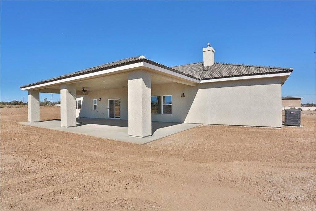 13135 El Centro Road, Oak Hills, CA 92344