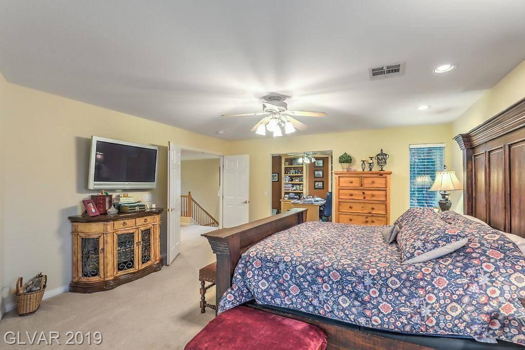8332 Fawn Meadow Avenue, Las Vegas, NV 89149
