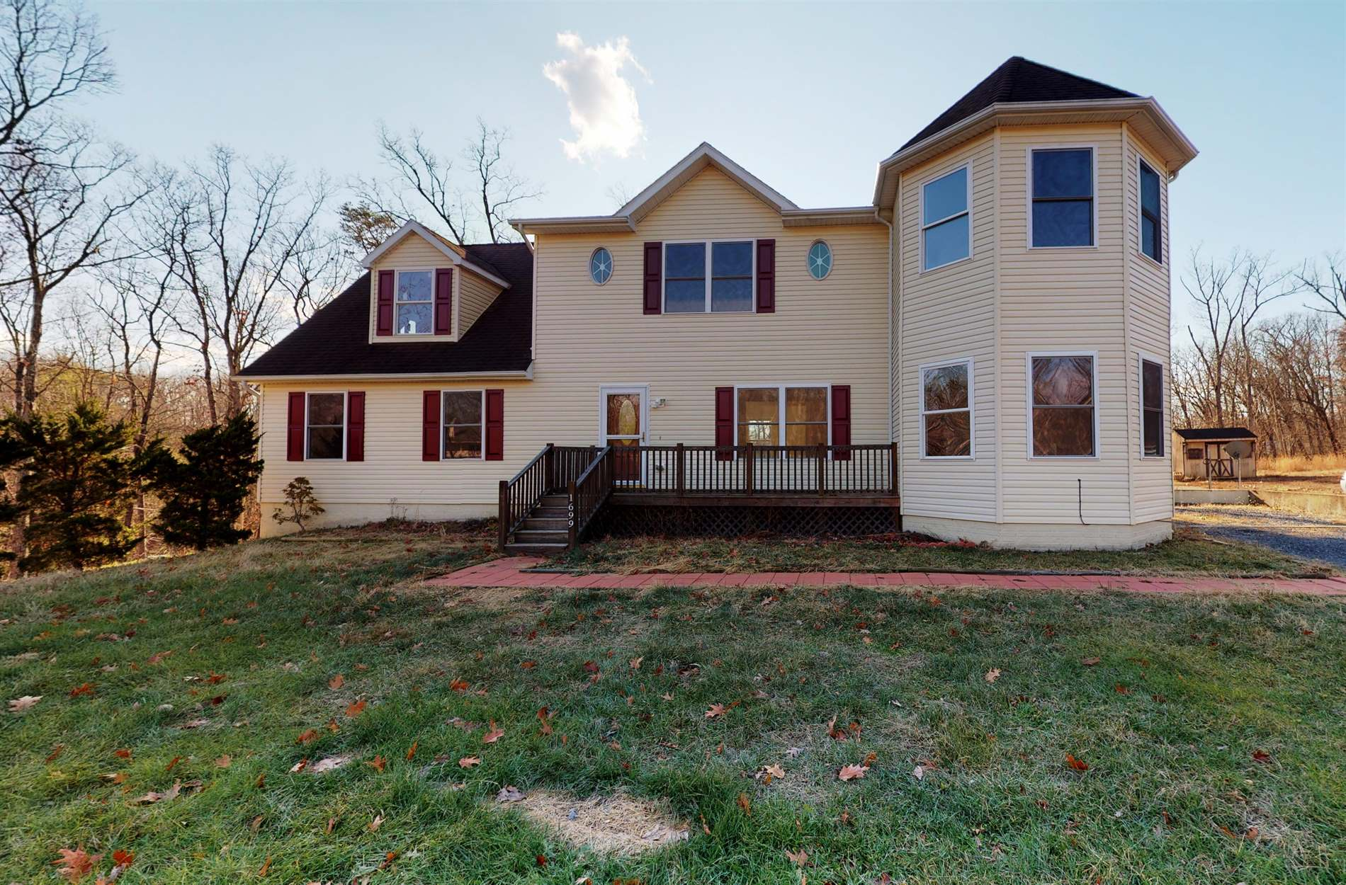 1699 Strasburg Road, Front Royal, VA 22630
