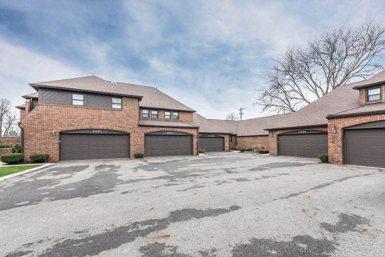 4499 Carriage Hill Lane, Upper Arlington, OH 43220