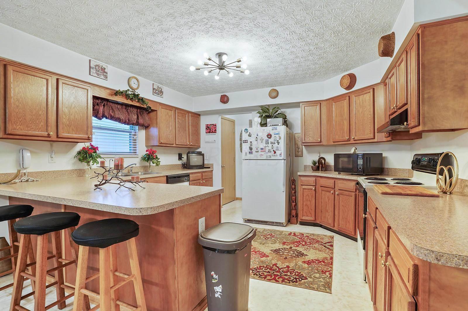 8182 Creekstone Lane, Blacklick, OH 43004