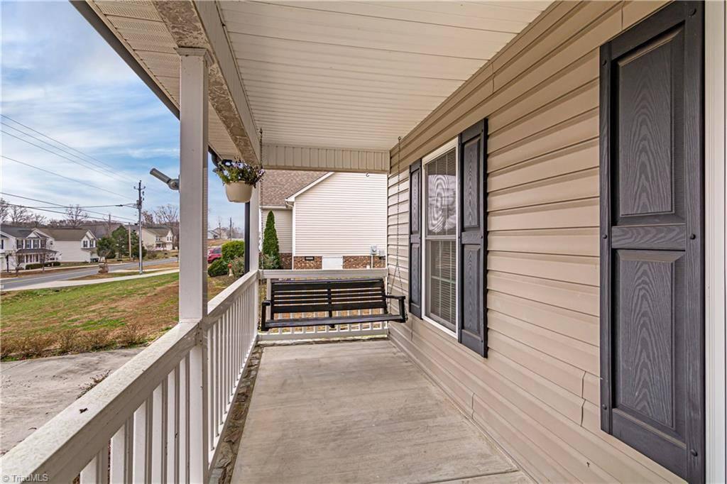 544 Old Castle Drive, Randleman, NC 27317
