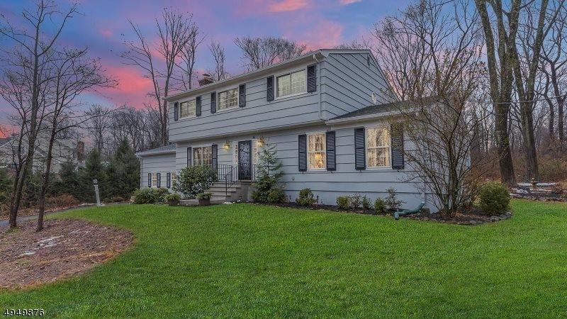 59 Woodgate Ln, Long Hill Township, NJ 07946