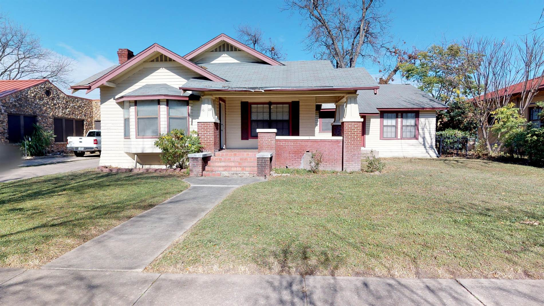 1609 West Summit Ave, San Antonio, TX 78201