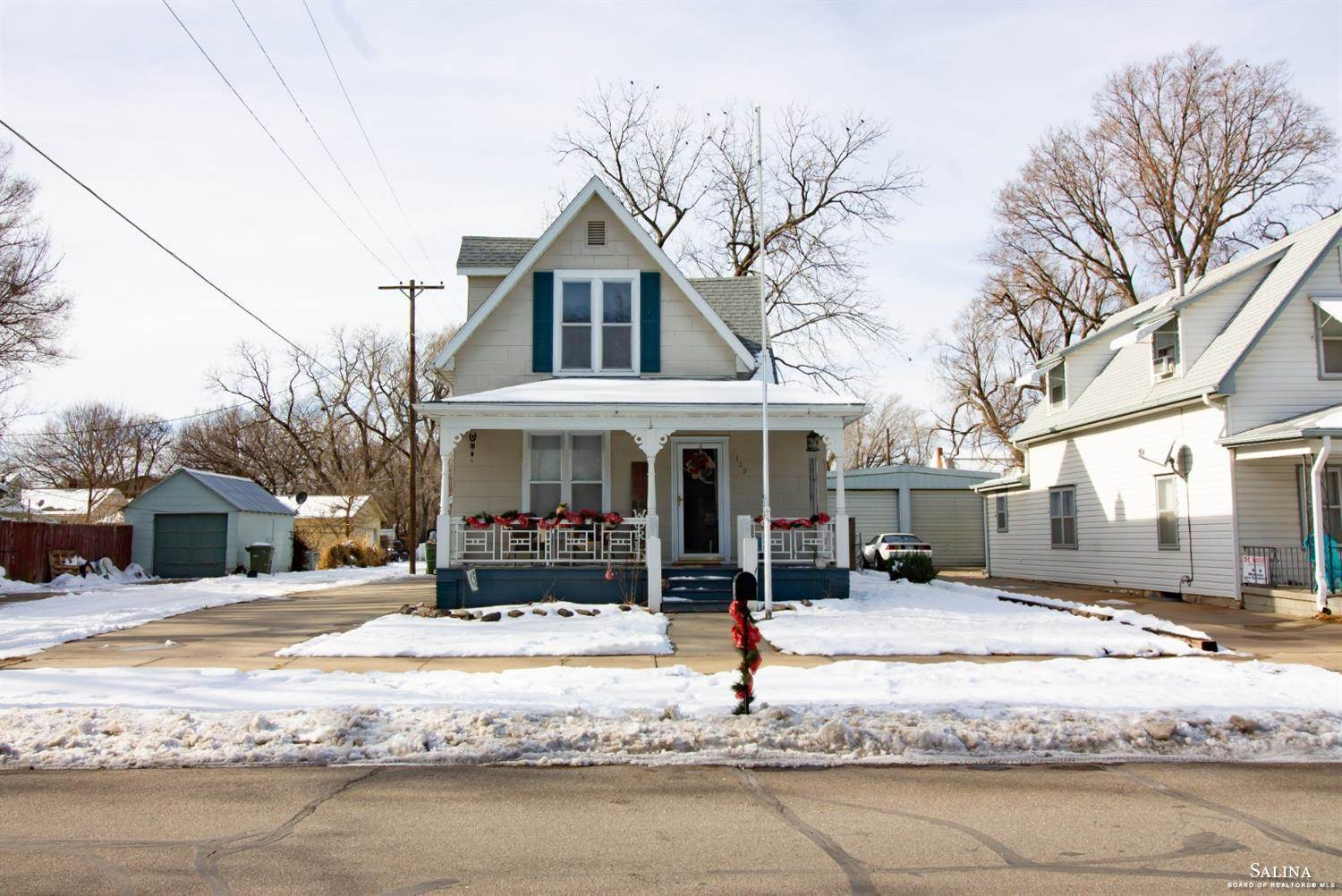 129 North College Avenue, Salina, KS 67401