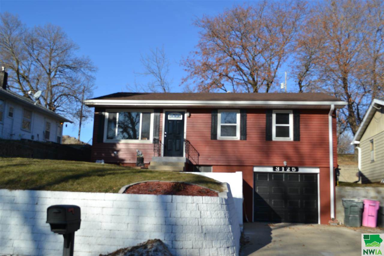 3125 Glenn Ave, Sioux City, IA 51106