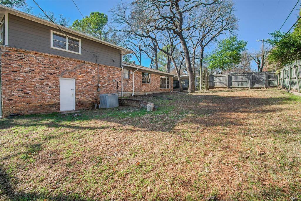 1048 Barbara Ann Drive, Hurst, TX 76053