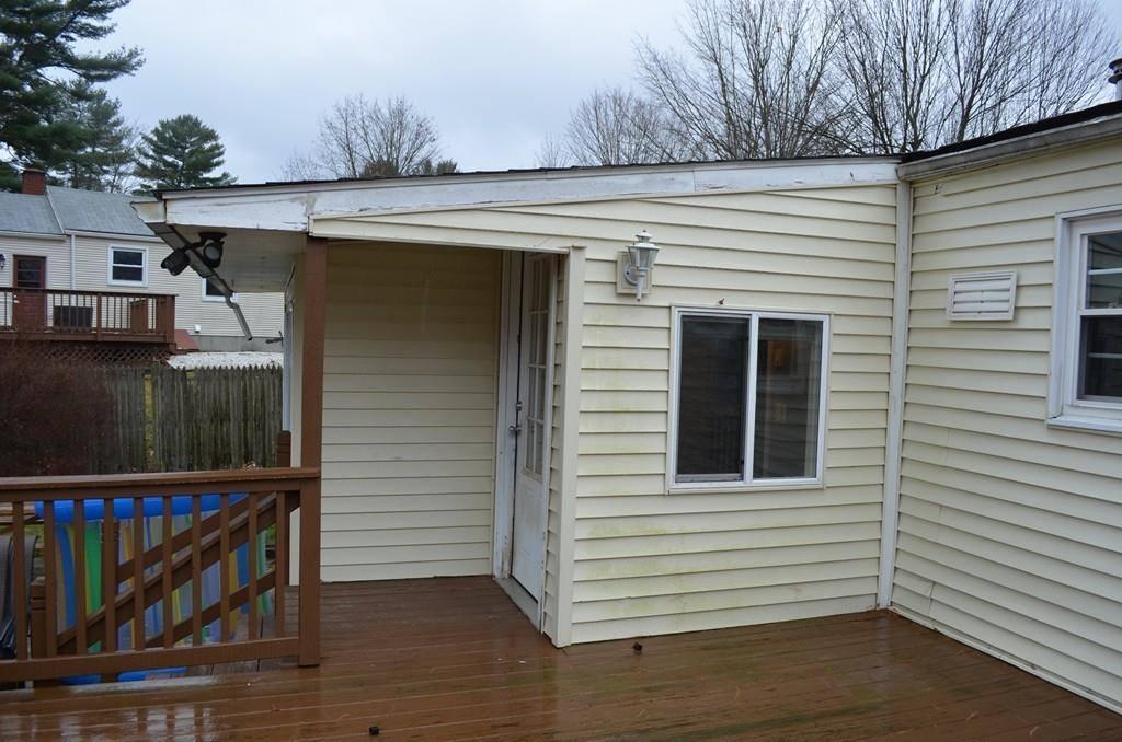 99 Pine Acre Rd, Springfield, MA 01129
