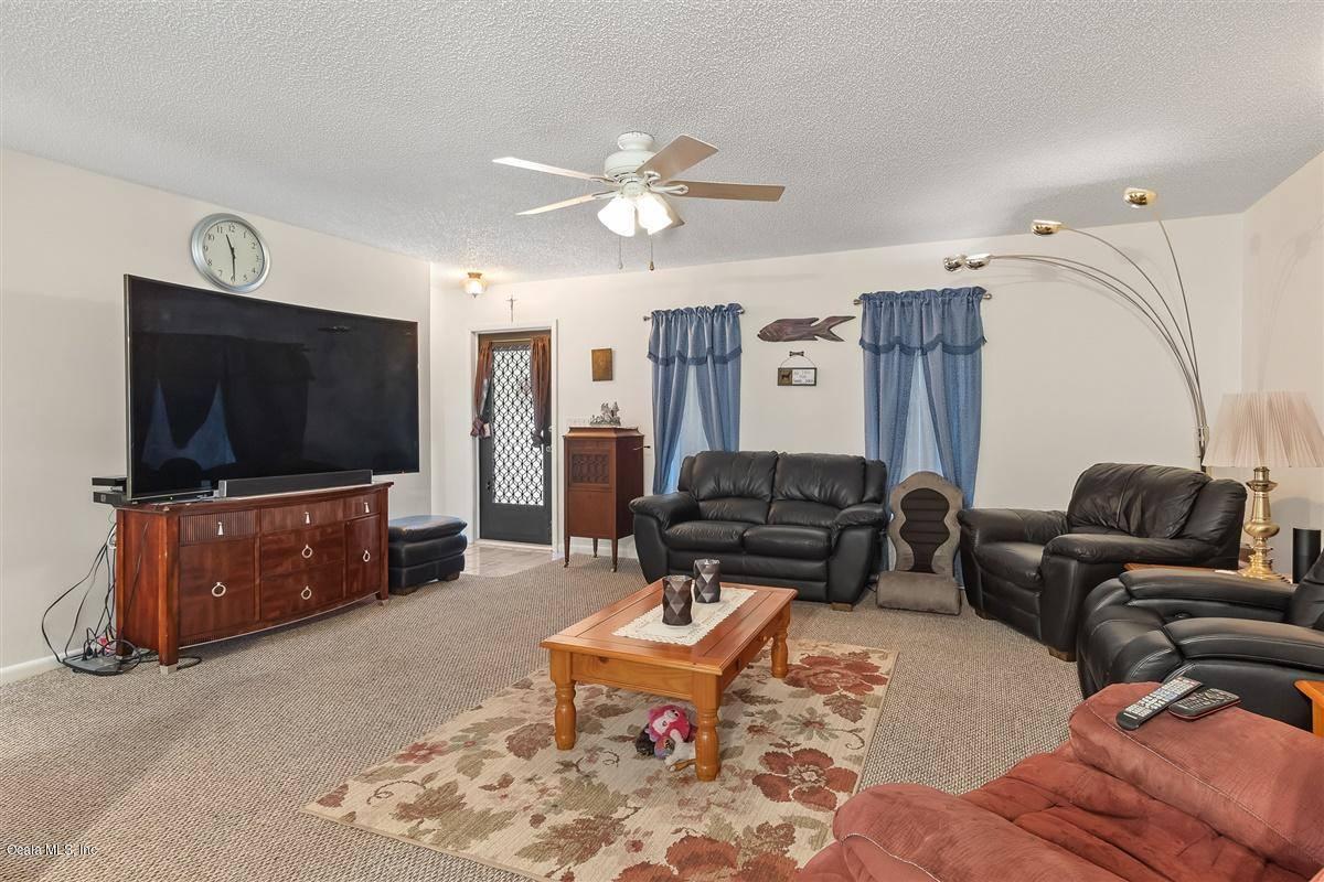 936 Galaxy Avenue, Sebring, FL 33875