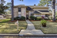 15839 Knoll Lake Drive, Houston, TX 77095