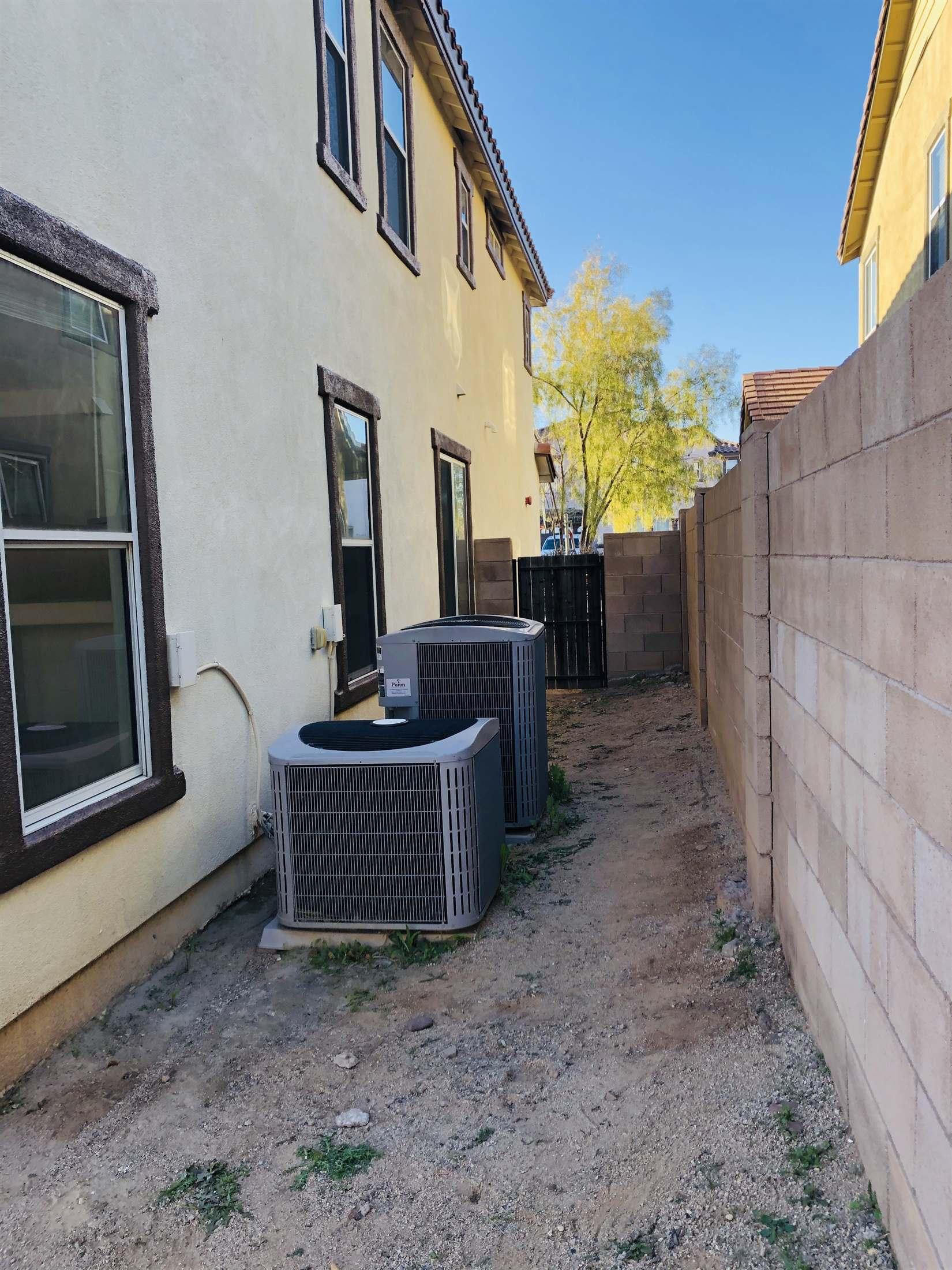 670 W Calle La Bolita, Sahuarita, AZ 85629
