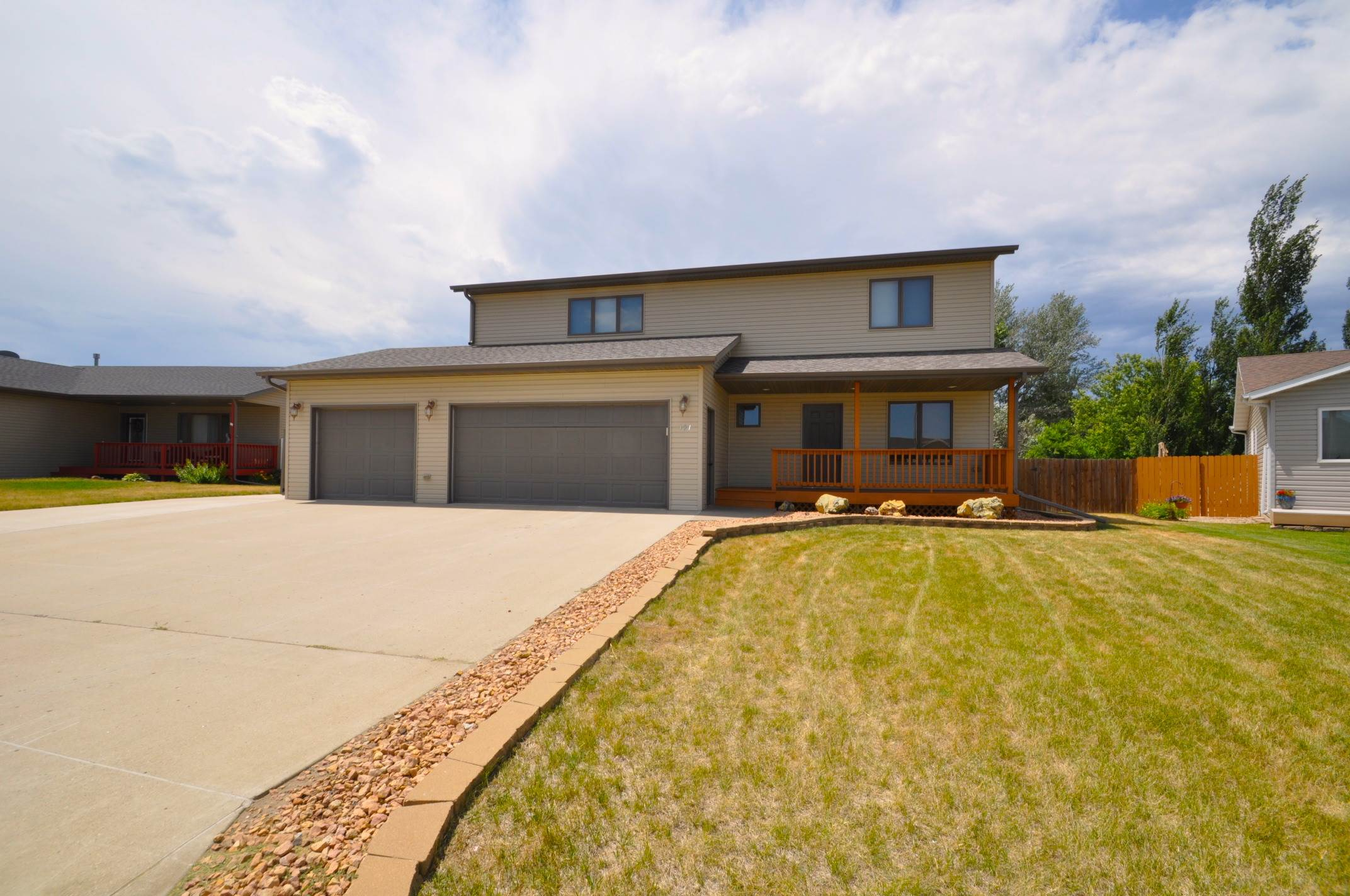 121 Montgomery Place, Lincoln, ND 58504