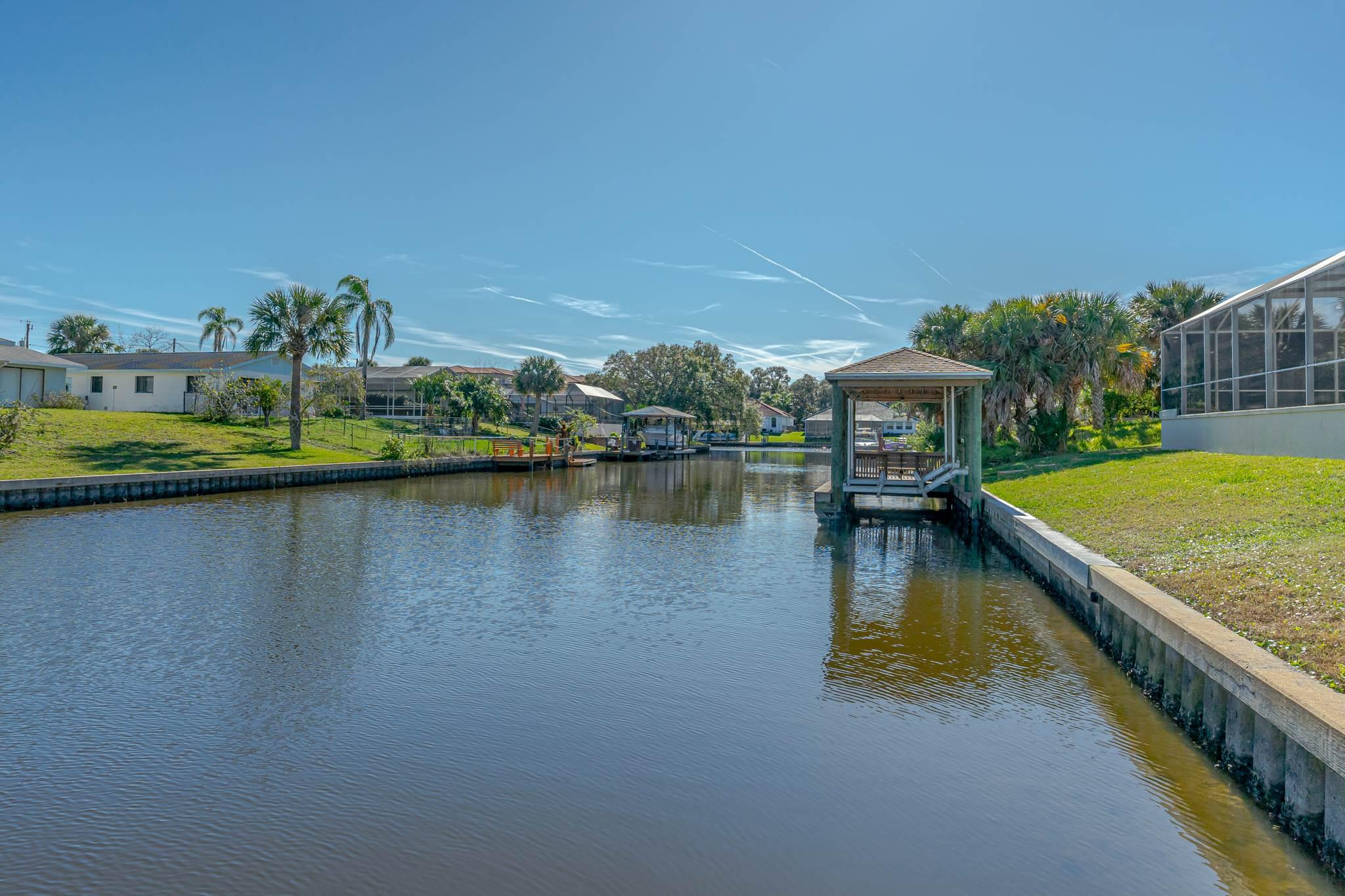19 Classic Ct S, Palm Coast, FL 32137