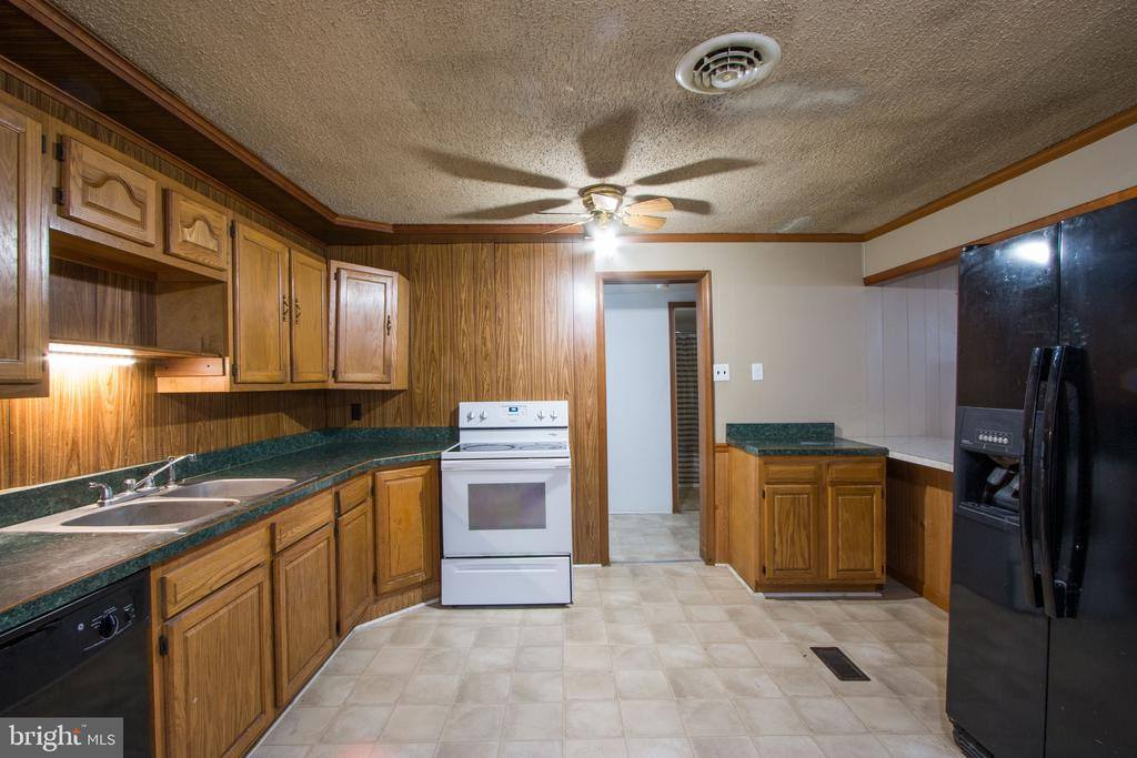 10529 Route 235, Thompsontown, PA 17094