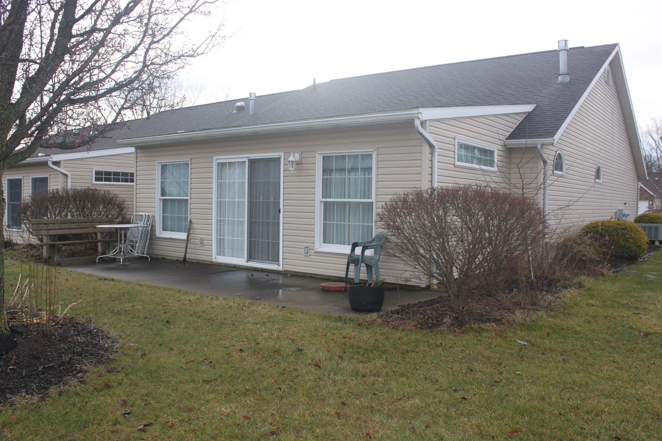 818 Oakbrook, Ashland, OH 44805